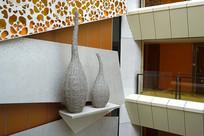 天井式宾馆墙面装饰及雕塑摆件