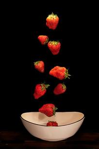 下落的草莓