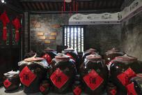 黄姚古镇卖酒酒缸
