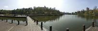 水上栈桥公园景观图