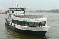 德国汉堡市易北河上的游船