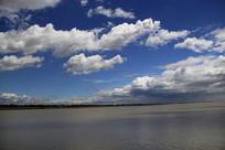 海滩万里云