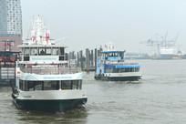 汉堡港易北河上的游船