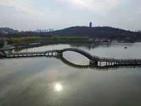航拍公园湖面小桥