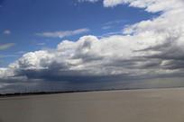 蓝天白云海塘