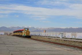 盐湖小火车
