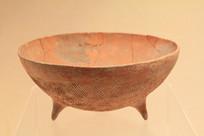 宽带纹三足彩陶钵