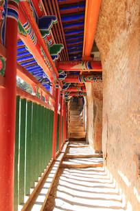 马蹄寺悬崖走廊