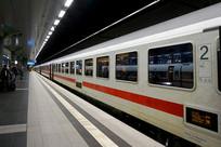 柏林中央车站站台内景