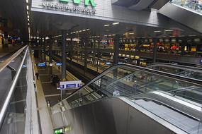 德国柏林中央火车站站台内景