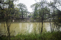 河边的村子