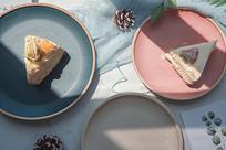 两块蛋糕美食拍摄