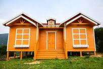 卡通感木质小房屋