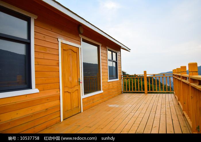 山顶别墅的观景阳台图片