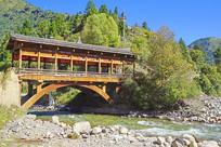 四川黑水县藏族村寨的红军桥