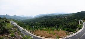 弯曲的公路风景图