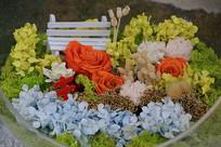鲜花长椅盆景