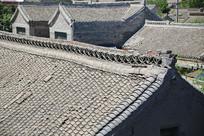 俯视青瓦屋顶建筑