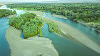 五彩滩额尔齐斯河