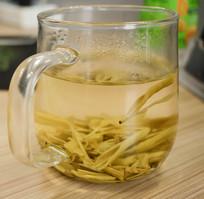 玻璃茶水图片