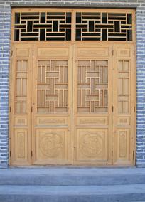 传统木雕对开木门