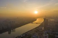 日出的广州珠江