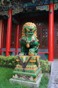 绿釉狮子门墩