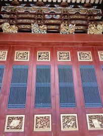 木雕金漆彩绘镂空中式门窗