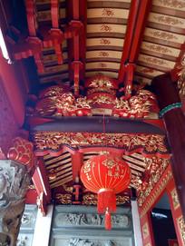 中式古建筑彩金漆屋顶