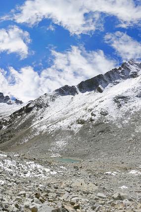 阿坝达古冰山的冰山雪峰