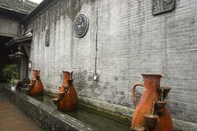 四川元通黄家大院围墙及陶器