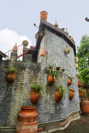 元通古镇黄家大院围墙及陶器