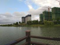 在建湖面水岸楼盘