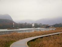 雨雾中的大九湖栈道