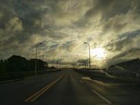 朝阳前方路