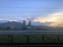 车站的傍晚