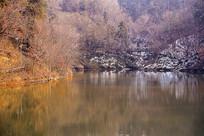 山林湖泊的冬天