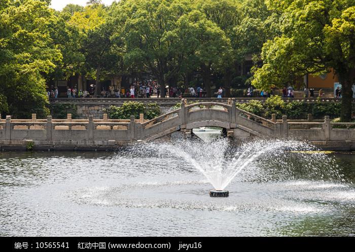 中国浙江舟山普陀山普济禅寺福(瑶池 )桥
