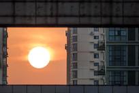日出建筑同框