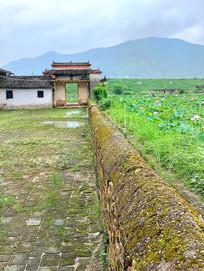 中共瑞西县委旧址围墙