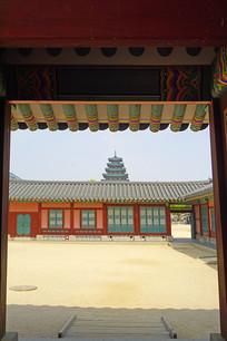 从景福宫远眺民俗博物馆的塔楼