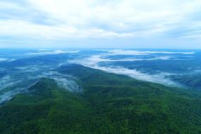 大兴安岭绿色山峦烟云