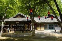 韩国民俗村的灯笼和传统建筑