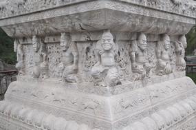 石碑局部力士雕塑