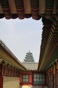 首尔景福宫远眺民俗博物馆塔楼