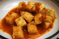一盘韩国的家常泡菜萝卜
