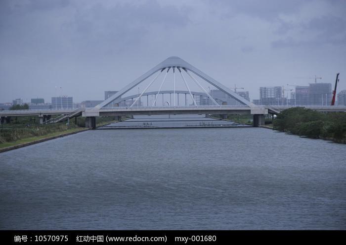 滴水湖大桥图片