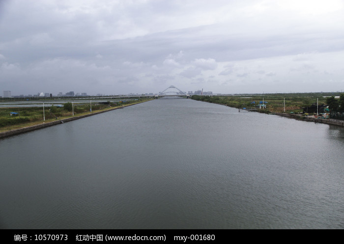 滴水湖河道图片