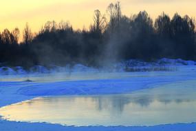 大兴安岭冰河朝阳