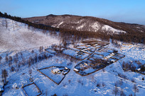 大兴安岭林区靠山人家雪景